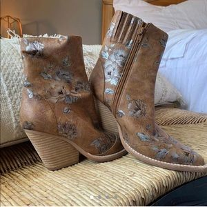 Jeffery Campbell x Free People boots